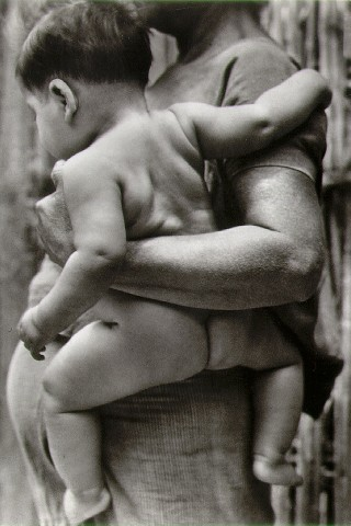 modotti_mother_child